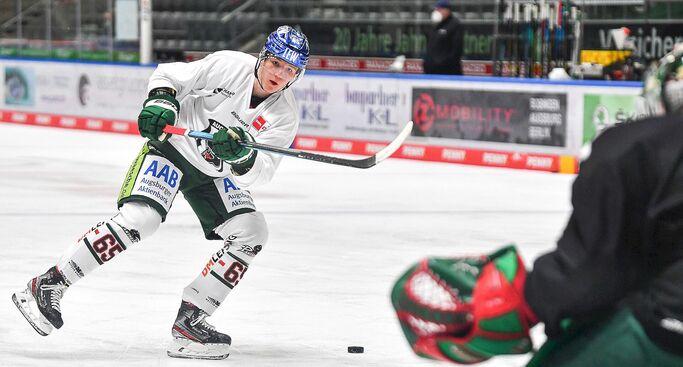 Niklas Länger wieder im Mannschaftstraining