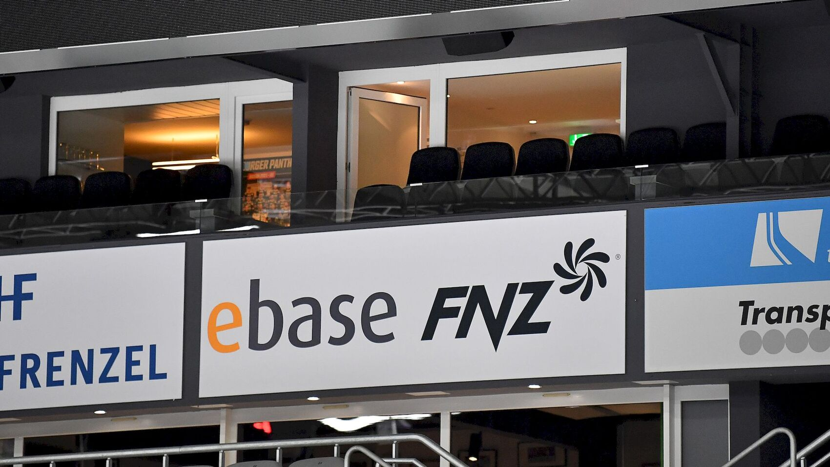 ebase übernimmt Loge der Aktienbank